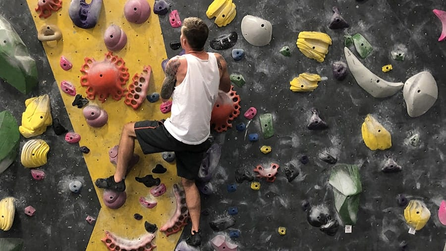 Bouldering For Beginners: What You Need to Know