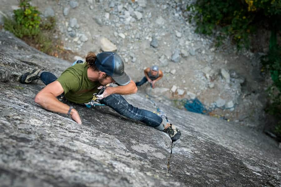 Is Falling on Cams and Nutts Dangerous? How To Place Gear Safely